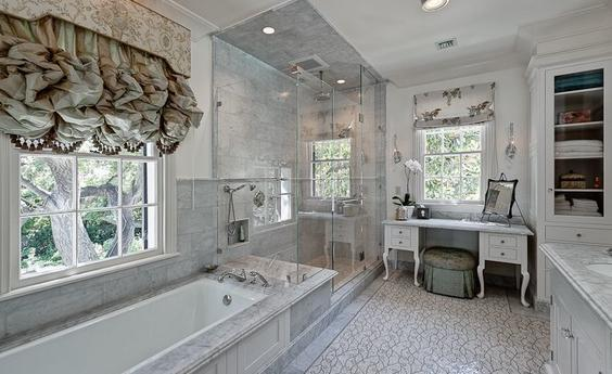 San Marino Traditional Bathroom